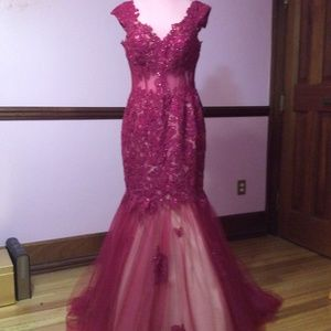Alyce Paris Beaded Lace Prom Dress Size 14 - NWT